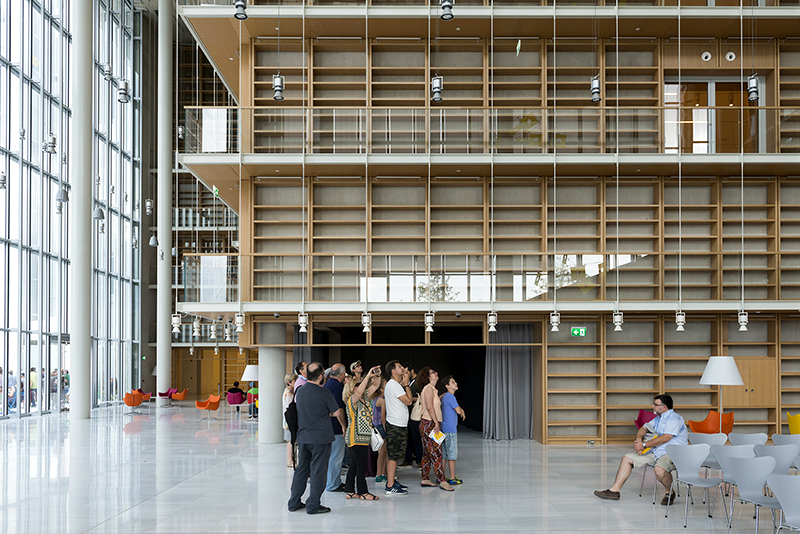 Library_lobby_with_visitors_Yiorgis Yerolymbos